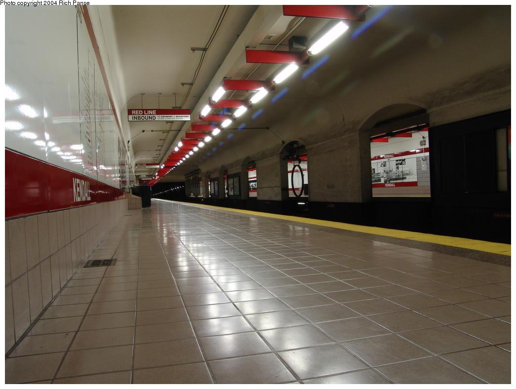 (105k, 1044x788)<br><b>Country:</b> United States<br><b>City:</b> Boston, MA<br><b>System:</b> MBTA<br><b>Line:</b> MBTA Red Line<br><b>Location:</b> Kendall/MIT<br><b>Photo by:</b> Richard Panse<br><b>Date:</b> 7/3/2004<br><b>Viewed (this week/total):</b> 0 / 3020