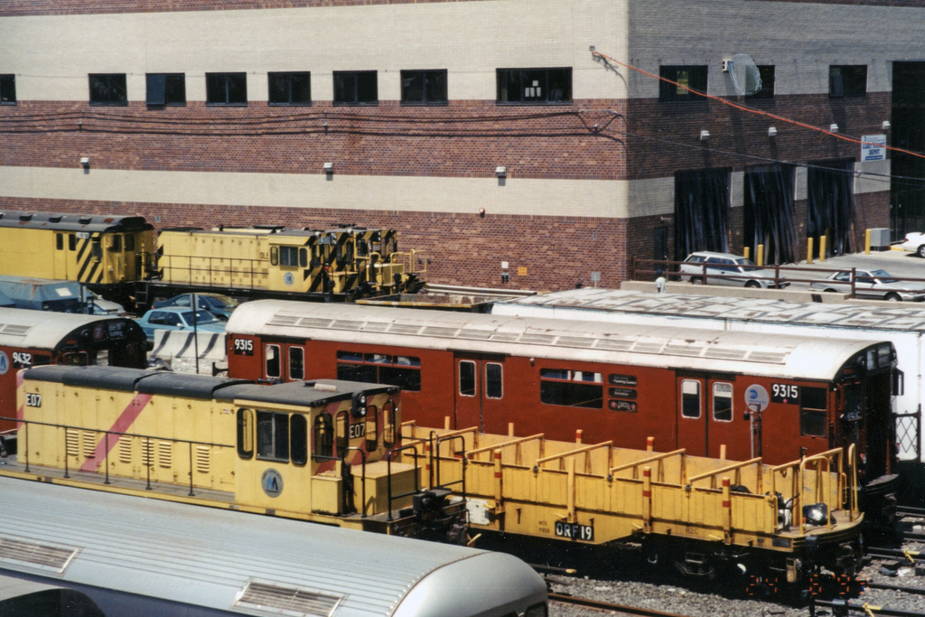 (408k, 1044x715)<br><b>Country:</b> United States<br><b>City:</b> New York<br><b>System:</b> New York City Transit<br><b>Location:</b> Corona Yard<br><b>Car:</b> R-33 World's Fair (St. Louis, 1963-64) 9315 <br><b>Photo by:</b> Paul Polischuk<br><b>Date:</b> 6/25/1999<br><b>Viewed (this week/total):</b> 3 / 2234