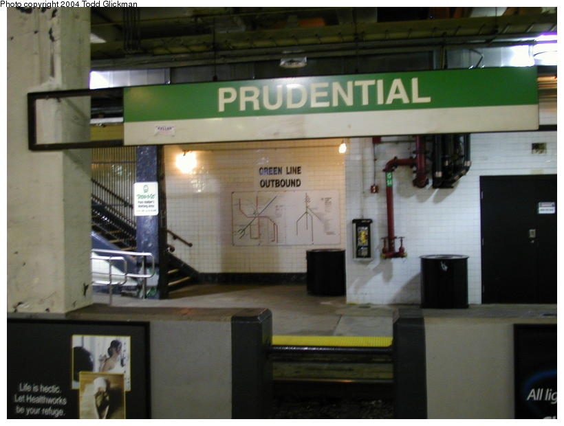 (68k, 820x620)<br><b>Country:</b> United States<br><b>City:</b> Boston, MA<br><b>System:</b> MBTA<br><b>Line:</b> MBTA Green <br><b>Location:</b> Prudential <br><b>Photo by:</b> Todd Glickman<br><b>Date:</b> 8/24/2004<br><b>Notes:</b> Green Line Prudential Station, taken from the inbound platform.<br><b>Viewed (this week/total):</b> 0 / 2500