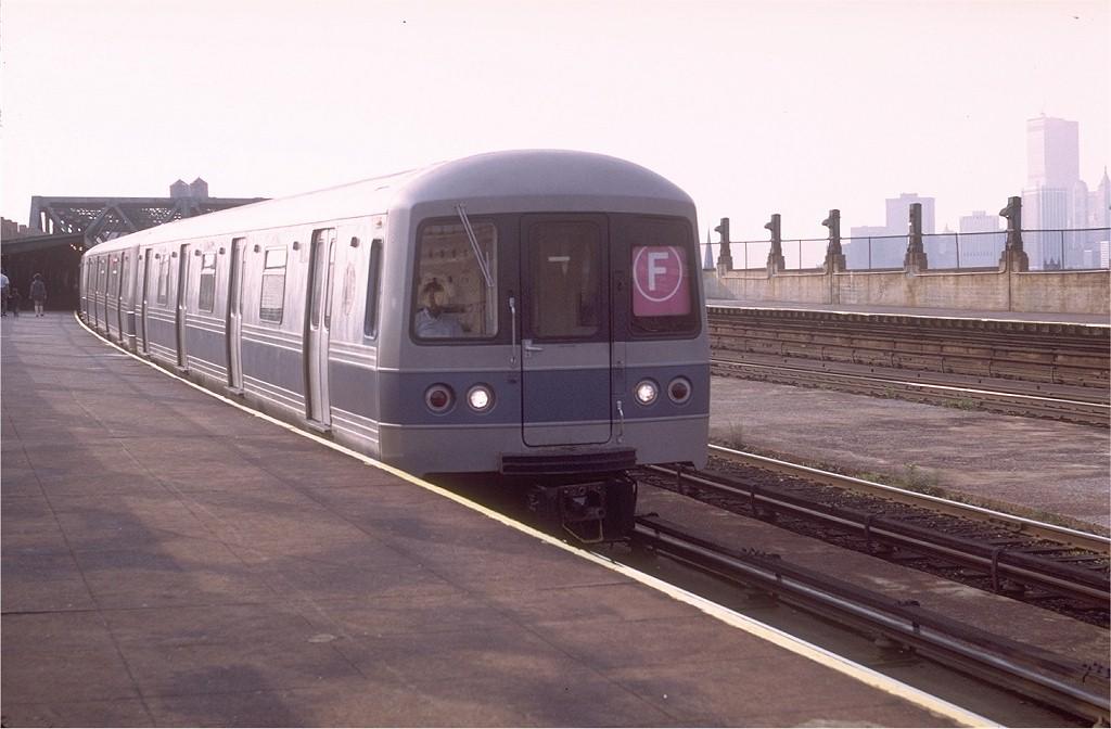(150k, 1024x672)<br><b>Country:</b> United States<br><b>City:</b> New York<br><b>System:</b> New York City Transit<br><b>Line:</b> IND Crosstown Line<br><b>Location:</b> Smith/9th Street <br><b>Route:</b> F<br><b>Car:</b> R-44 (St. Louis, 1971-73) 139 <br><b>Photo by:</b> Doug Grotjahn<br><b>Collection of:</b> Joe Testagrose<br><b>Date:</b> 6/5/1972<br><b>Viewed (this week/total):</b> 0 / 5039