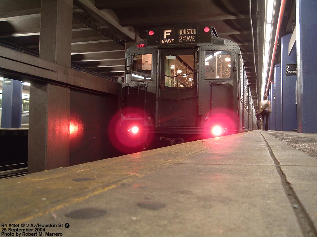 (128k, 1024x768)<br><b>Country:</b> United States<br><b>City:</b> New York<br><b>System:</b> New York City Transit<br><b>Line:</b> IND 6th Avenue Line<br><b>Location:</b> 2nd Avenue <br><b>Route:</b> Fan Trip<br><b>Car:</b> R-4 (American Car & Foundry, 1932-1933) 484 <br><b>Photo by:</b> Robert Marrero<br><b>Date:</b> 9/25/2004<br><b>Notes:</b> Museum train in service on a shortened F line, 2nd Ave. to 71st Ave. or 179th St.<br><b>Viewed (this week/total):</b> 4 / 4467