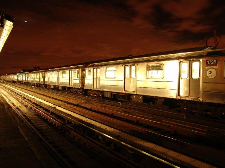 (78k, 763x572)<br><b>Country:</b> United States<br><b>City:</b> New York<br><b>System:</b> New York City Transit<br><b>Line:</b> IRT Flushing Line<br><b>Location:</b> 74th Street/Broadway <br><b>Car:</b> R-62A (Bombardier, 1984-1987)  1726 <br><b>Photo by:</b> Richard Panse<br><b>Date:</b> 10/11/2004<br><b>Viewed (this week/total):</b> 1 / 4725