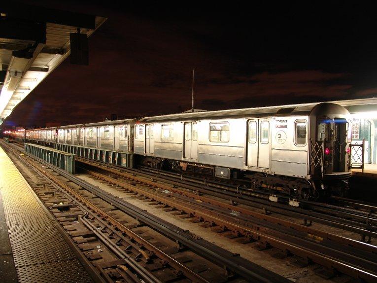 (91k, 765x574)<br><b>Country:</b> United States<br><b>City:</b> New York<br><b>System:</b> New York City Transit<br><b>Line:</b> IRT Flushing Line<br><b>Location:</b> 33rd Street/Rawson Street <br><b>Photo by:</b> Richard Panse<br><b>Date:</b> 10/11/2004<br><b>Viewed (this week/total):</b> 0 / 3789