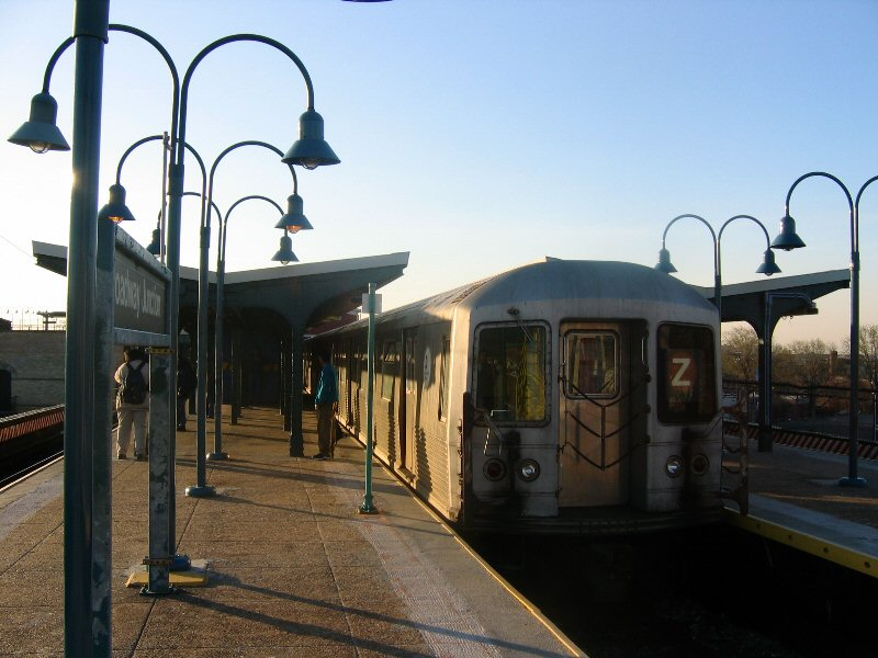 (98k, 800x600)<br><b>Country:</b> United States<br><b>City:</b> New York<br><b>System:</b> New York City Transit<br><b>Line:</b> BMT Nassau Street/Jamaica Line<br><b>Location:</b> Broadway/East New York (Broadway Junction) <br><b>Route:</b> Z<br><b>Car:</b> R-42 (St. Louis, 1969-1970)   <br><b>Photo by:</b> Dante D. Angerville<br><b>Date:</b> 4/20/2004<br><b>Viewed (this week/total):</b> 2 / 3550