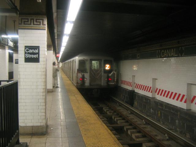 (156k, 640x480)<br><b>Country:</b> United States<br><b>City:</b> New York<br><b>System:</b> New York City Transit<br><b>Line:</b> BMT Nassau Street/Jamaica Line<br><b>Location:</b> Canal Street <br><b>Route:</b> Z<br><b>Car:</b> R-42 (St. Louis, 1969-1970)   <br><b>Photo by:</b> Dante D. Angerville<br><b>Date:</b> 9/23/2004<br><b>Viewed (this week/total):</b> 0 / 6556