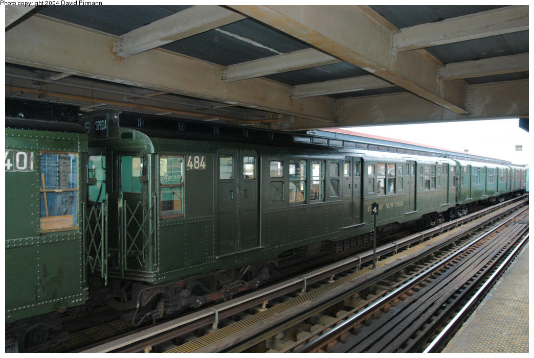 (181k, 1044x701)<br><b>Country:</b> United States<br><b>City:</b> New York<br><b>System:</b> New York City Transit<br><b>Line:</b> BMT Brighton Line<br><b>Location:</b> Brighton Beach <br><b>Route:</b> Fan Trip<br><b>Car:</b> R-4 (American Car & Foundry, 1932-1933) 484 <br><b>Photo by:</b> David Pirmann<br><b>Date:</b> 10/23/2004<br><b>Viewed (this week/total):</b> 1 / 4291