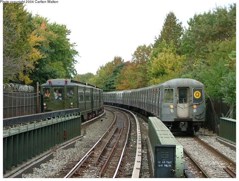 (133k, 820x620)<br><b>Country:</b> United States<br><b>City:</b> New York<br><b>System:</b> New York City Transit<br><b>Line:</b> BMT Brighton Line<br><b>Location:</b> Sheepshead Bay <br><b>Route:</b> Fan Trip<br><b>Car:</b> Low-V (Museum Train) 5292 <br><b>Photo by:</b> Carlton Walton<br><b>Date:</b> 10/23/2004<br><b>Viewed (this week/total):</b> 2 / 4195