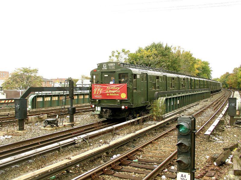 (135k, 800x600)<br><b>Country:</b> United States<br><b>City:</b> New York<br><b>System:</b> New York City Transit<br><b>Line:</b> BMT Brighton Line<br><b>Location:</b> Sheepshead Bay <br><b>Route:</b> Fan Trip<br><b>Car:</b> R-1 (American Car & Foundry, 1930-1931) 100 <br><b>Photo by:</b> Fred Guenther<br><b>Date:</b> 10/24/2004<br><b>Viewed (this week/total):</b> 0 / 5484