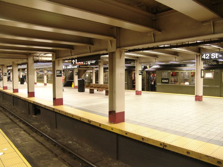 (93k, 762x572)<br><b>Country:</b> United States<br><b>City:</b> New York<br><b>System:</b> New York City Transit<br><b>Line:</b> IRT Times Square-Grand Central Shuttle<br><b>Location:</b> Grand Central <br><b>Route:</b> Fan Trip<br><b>Car:</b> Low-V (Museum Train) 5292 <br><b>Photo by:</b> Richard Panse<br><b>Date:</b> 10/27/2004<br><b>Notes:</b> Train in regular passenger service, technically not a fan trip.<br><b>Viewed (this week/total):</b> 0 / 3047
