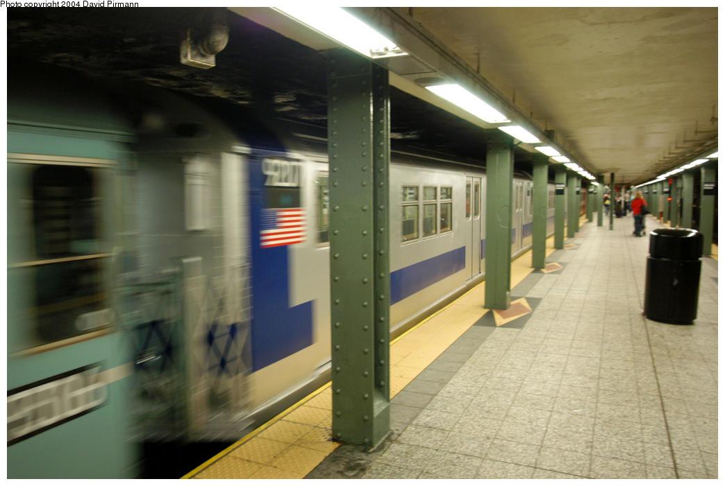 (148k, 1044x701)<br><b>Country:</b> United States<br><b>City:</b> New York<br><b>System:</b> New York City Transit<br><b>Line:</b> IRT Brooklyn Line<br><b>Location:</b> Atlantic Avenue <br><b>Route:</b> Fan Trip<br><b>Car:</b> R-33 Main Line (St. Louis, 1962-63) 9207 <br><b>Photo by:</b> David Pirmann<br><b>Date:</b> 10/29/2004<br><b>Notes:</b> Train in regular passenger service, technically not a fan trip.<br><b>Viewed (this week/total):</b> 2 / 3418