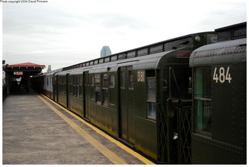 (132k, 1044x701)<br><b>Country:</b> United States<br><b>City:</b> New York<br><b>System:</b> New York City Transit<br><b>Line:</b> BMT Astoria Line<br><b>Location:</b> 36th/Washington Aves. <br><b>Route:</b> Fan Trip<br><b>Car:</b> R-1 (American Car & Foundry, 1930-1931) 381 <br><b>Photo by:</b> David Pirmann<br><b>Date:</b> 10/29/2004<br><b>Notes:</b> Train in regular passenger service, technically not a fan trip.<br><b>Viewed (this week/total):</b> 0 / 2498