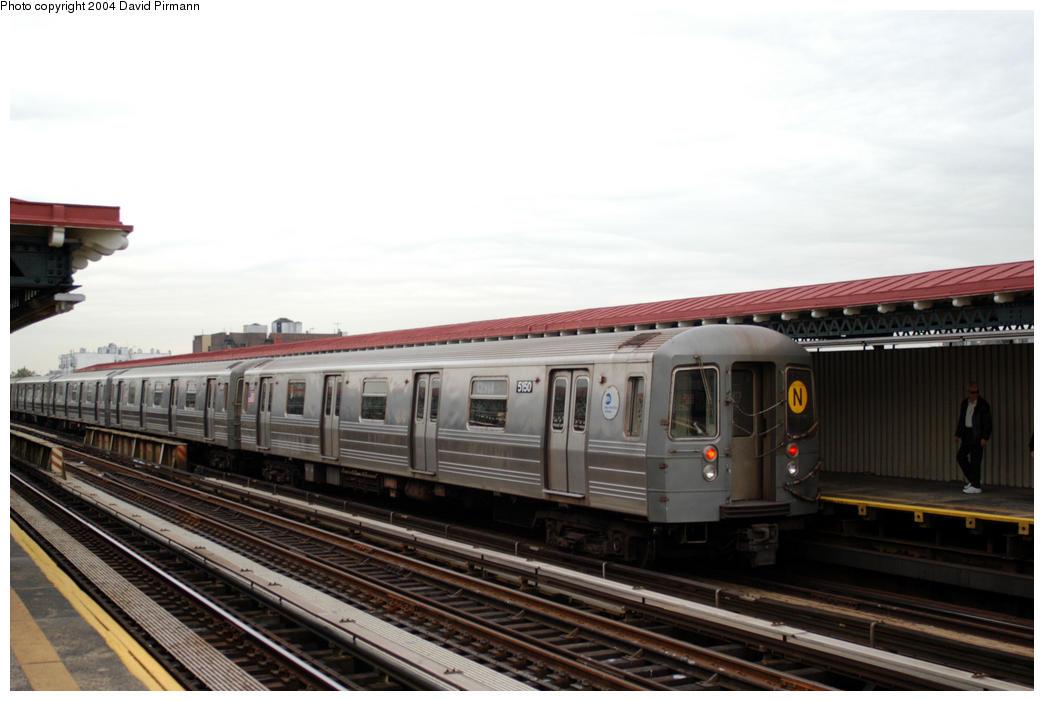 (149k, 1044x701)<br><b>Country:</b> United States<br><b>City:</b> New York<br><b>System:</b> New York City Transit<br><b>Line:</b> BMT Astoria Line<br><b>Location:</b> 36th/Washington Aves. <br><b>Route:</b> N<br><b>Car:</b> R-68A (Kawasaki, 1988-1989)  5150 <br><b>Photo by:</b> David Pirmann<br><b>Date:</b> 10/29/2004<br><b>Viewed (this week/total):</b> 0 / 2507
