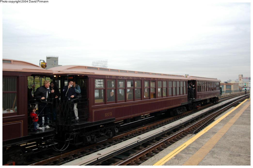 (139k, 1044x692)<br><b>Country:</b> United States<br><b>City:</b> New York<br><b>System:</b> New York City Transit<br><b>Line:</b> BMT Astoria Line<br><b>Location:</b> 36th/Washington Aves. <br><b>Route:</b> Fan Trip<br><b>Car:</b> BMT Elevated Gate Car 1273 <br><b>Photo by:</b> David Pirmann<br><b>Date:</b> 10/29/2004<br><b>Notes:</b> BU train in excursion service on Astoria line.<br><b>Viewed (this week/total):</b> 3 / 2495