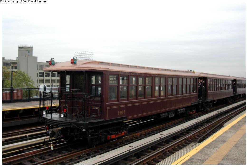 (144k, 1044x705)<br><b>Country:</b> United States<br><b>City:</b> New York<br><b>System:</b> New York City Transit<br><b>Line:</b> BMT Astoria Line<br><b>Location:</b> 36th/Washington Aves. <br><b>Route:</b> Fan Trip<br><b>Car:</b> BMT Elevated Gate Car 1404 <br><b>Photo by:</b> David Pirmann<br><b>Date:</b> 10/29/2004<br><b>Notes:</b> BU train in excursion service on Astoria line.<br><b>Viewed (this week/total):</b> 2 / 2341