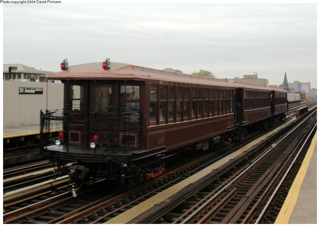 (164k, 1044x742)<br><b>Country:</b> United States<br><b>City:</b> New York<br><b>System:</b> New York City Transit<br><b>Line:</b> BMT Astoria Line<br><b>Location:</b> 30th/Grand Aves. <br><b>Route:</b> Fan Trip<br><b>Car:</b> BMT Elevated Gate Car 1404-1273-1407 <br><b>Photo by:</b> David Pirmann<br><b>Date:</b> 10/29/2004<br><b>Notes:</b> BU train in excursion service on Astoria line.<br><b>Viewed (this week/total):</b> 0 / 2490