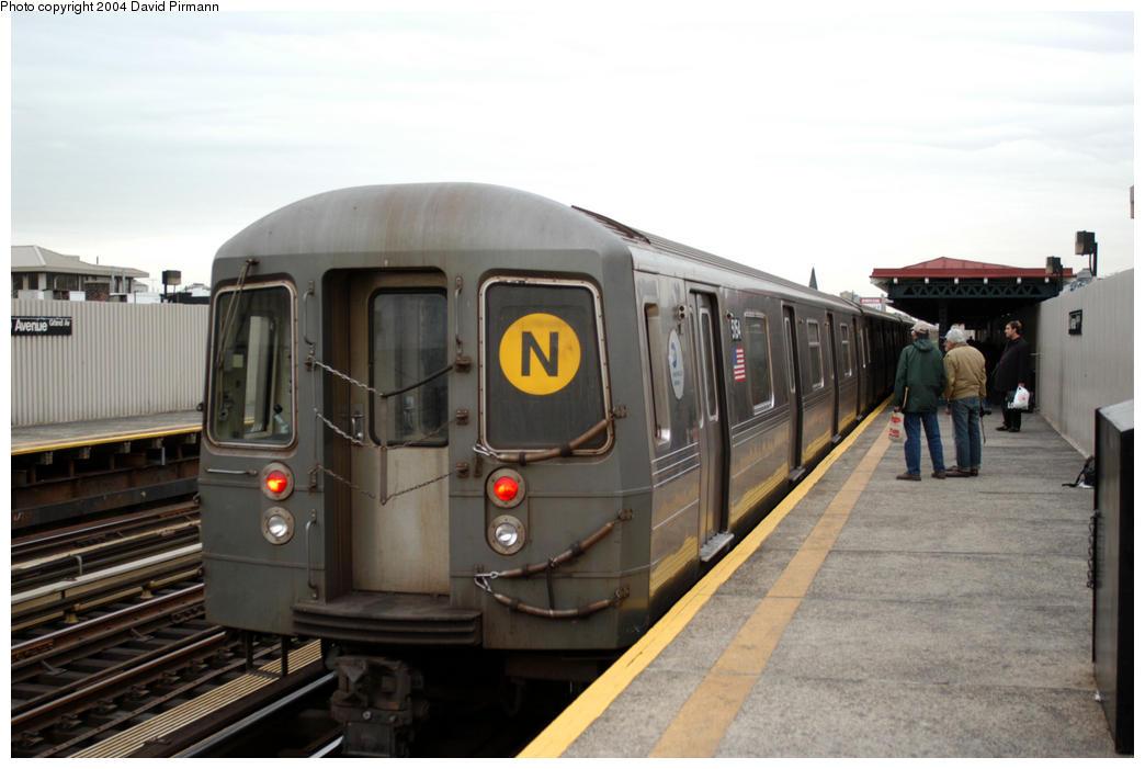(149k, 1044x701)<br><b>Country:</b> United States<br><b>City:</b> New York<br><b>System:</b> New York City Transit<br><b>Line:</b> BMT Astoria Line<br><b>Location:</b> 30th/Grand Aves. <br><b>Route:</b> N<br><b>Car:</b> R-68A (Kawasaki, 1988-1989)  5154 <br><b>Photo by:</b> David Pirmann<br><b>Date:</b> 10/29/2004<br><b>Viewed (this week/total):</b> 0 / 3405