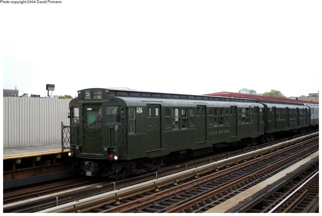 (137k, 1044x701)<br><b>Country:</b> United States<br><b>City:</b> New York<br><b>System:</b> New York City Transit<br><b>Line:</b> BMT Astoria Line<br><b>Location:</b> 30th/Grand Aves. <br><b>Route:</b> Fan Trip<br><b>Car:</b> R-4 (American Car & Foundry, 1932-1933) 484 <br><b>Photo by:</b> David Pirmann<br><b>Date:</b> 10/29/2004<br><b>Notes:</b> Train in regular passenger service, technically not a fan trip.<br><b>Viewed (this week/total):</b> 0 / 2512