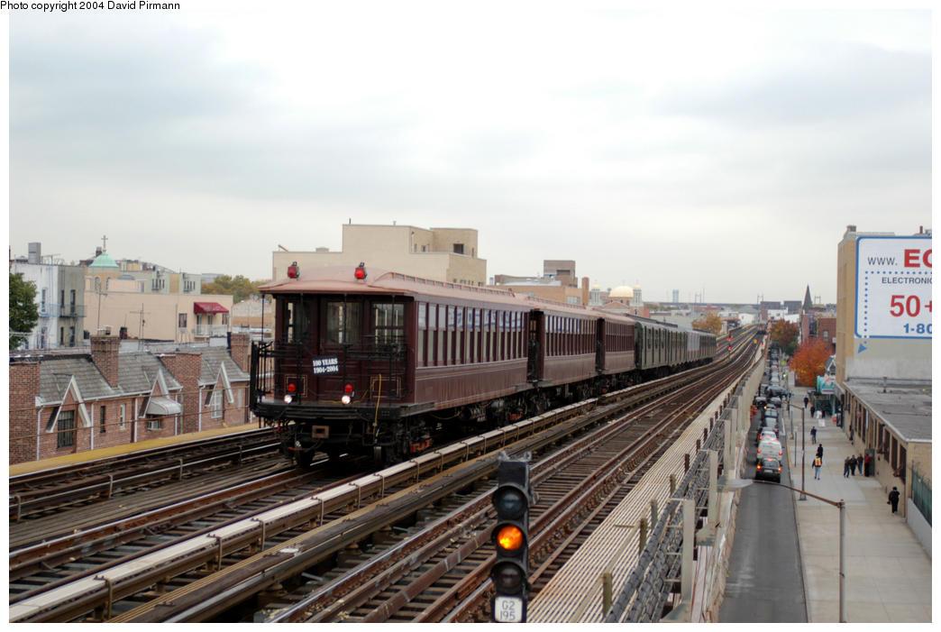 (174k, 1044x701)<br><b>Country:</b> United States<br><b>City:</b> New York<br><b>System:</b> New York City Transit<br><b>Line:</b> BMT Astoria Line<br><b>Location:</b> Broadway <br><b>Route:</b> Fan Trip<br><b>Car:</b> BMT Elevated Gate Car 1407 <br><b>Photo by:</b> David Pirmann<br><b>Date:</b> 10/29/2004<br><b>Notes:</b> BU train in excursion service on Astoria line.<br><b>Viewed (this week/total):</b> 0 / 2820
