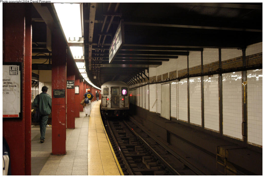 (157k, 1044x701)<br><b>Country:</b> United States<br><b>City:</b> New York<br><b>System:</b> New York City Transit<br><b>Line:</b> IRT Flushing Line<br><b>Location:</b> 5th Avenue <br><b>Route:</b> 7<br><b>Car:</b> R-62A (Bombardier, 1984-1987)   <br><b>Photo by:</b> David Pirmann<br><b>Date:</b> 10/29/2004<br><b>Viewed (this week/total):</b> 2 / 5557