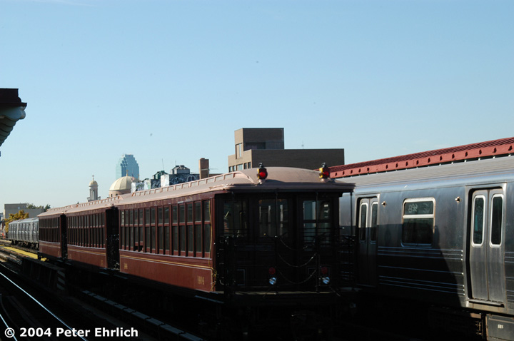 (88k, 720x478)<br><b>Country:</b> United States<br><b>City:</b> New York<br><b>System:</b> New York City Transit<br><b>Line:</b> BMT Astoria Line<br><b>Location:</b> 30th/Grand Aves. <br><b>Route:</b> Fan Trip<br><b>Car:</b> BMT Elevated Gate Car 1404 <br><b>Photo by:</b> Peter Ehrlich<br><b>Date:</b> 10/28/2004<br><b>Notes:</b> BU train in excursion service on Astoria line.<br><b>Viewed (this week/total):</b> 0 / 2420