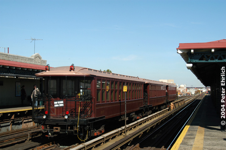 (124k, 720x478)<br><b>Country:</b> United States<br><b>City:</b> New York<br><b>System:</b> New York City Transit<br><b>Line:</b> BMT Astoria Line<br><b>Location:</b> Broadway <br><b>Route:</b> Fan Trip<br><b>Car:</b> BMT Elevated Gate Car 1407 <br><b>Photo by:</b> Peter Ehrlich<br><b>Date:</b> 10/28/2004<br><b>Notes:</b> BU train in excursion service on Astoria line.<br><b>Viewed (this week/total):</b> 0 / 3267