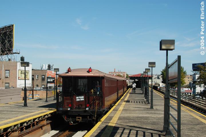 (139k, 720x478)<br><b>Country:</b> United States<br><b>City:</b> New York<br><b>System:</b> New York City Transit<br><b>Line:</b> BMT Astoria Line<br><b>Location:</b> Astoria Boulevard/Hoyt Avenue <br><b>Route:</b> Fan Trip<br><b>Car:</b> BMT Elevated Gate Car 1407 <br><b>Photo by:</b> Peter Ehrlich<br><b>Date:</b> 10/28/2004<br><b>Viewed (this week/total):</b> 0 / 2715