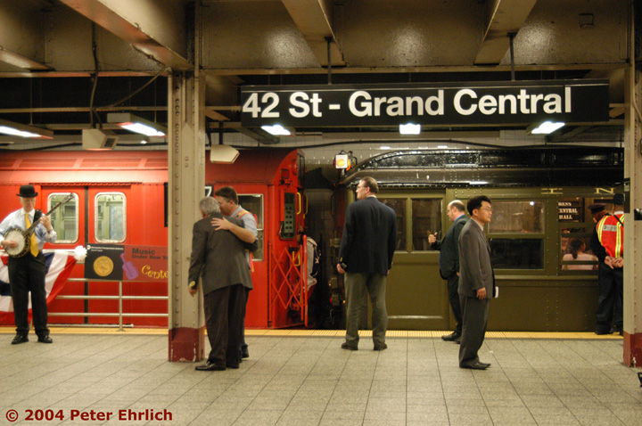 (166k, 720x478)<br><b>Country:</b> United States<br><b>City:</b> New York<br><b>System:</b> New York City Transit<br><b>Line:</b> IRT Times Square-Grand Central Shuttle<br><b>Location:</b> Grand Central <br><b>Route:</b> Fan Trip<br><b>Car:</b> R-33 Main Line (St. Louis, 1962-63) 9017 <br><b>Photo by:</b> Peter Ehrlich<br><b>Date:</b> 10/27/2004<br><b>Notes:</b> R-series SMEE cars coupling to Low-Vs and moving out as a single train.<br><b>Viewed (this week/total):</b> 0 / 3702