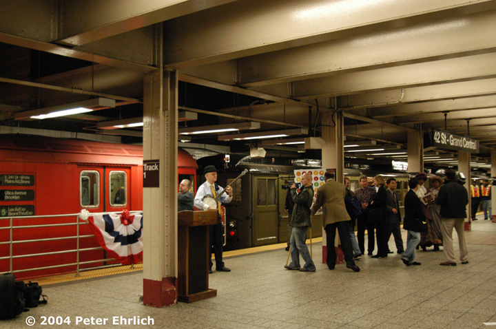 (158k, 720x478)<br><b>Country:</b> United States<br><b>City:</b> New York<br><b>System:</b> New York City Transit<br><b>Line:</b> IRT Times Square-Grand Central Shuttle<br><b>Location:</b> Grand Central <br><b>Route:</b> Fan Trip<br><b>Car:</b> R-33 Main Line (St. Louis, 1962-63) 9017 <br><b>Photo by:</b> Peter Ehrlich<br><b>Date:</b> 10/27/2004<br><b>Notes:</b> R-series SMEE cars coupling to Low-Vs and moving out as a single train.<br><b>Viewed (this week/total):</b> 0 / 3056