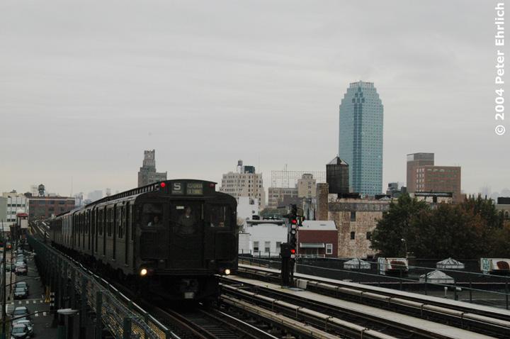 (106k, 720x478)<br><b>Country:</b> United States<br><b>City:</b> New York<br><b>System:</b> New York City Transit<br><b>Line:</b> BMT Astoria Line<br><b>Location:</b> 36th/Washington Aves. <br><b>Route:</b> Fan Trip<br><b>Car:</b> R-4 (American Car & Foundry, 1932-1933) 484 <br><b>Photo by:</b> Peter Ehrlich<br><b>Date:</b> 10/29/2004<br><b>Notes:</b> In service Ditmars Blvd.-Canal St.<br><b>Viewed (this week/total):</b> 0 / 3256