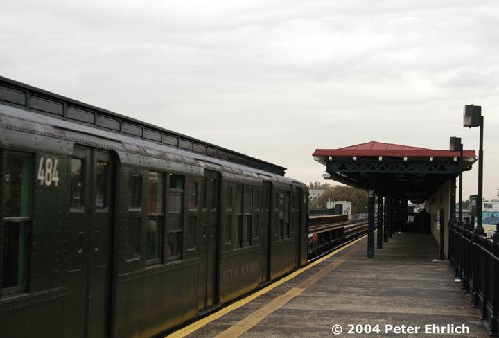 (103k, 720x488)<br><b>Country:</b> United States<br><b>City:</b> New York<br><b>System:</b> New York City Transit<br><b>Line:</b> BMT Astoria Line<br><b>Location:</b> 36th/Washington Aves. <br><b>Route:</b> Fan Trip<br><b>Car:</b> R-4 (American Car & Foundry, 1932-1933) 484 <br><b>Photo by:</b> Peter Ehrlich<br><b>Date:</b> 10/29/2004<br><b>Notes:</b> In service Ditmars Blvd.-Canal St.<br><b>Viewed (this week/total):</b> 0 / 2334