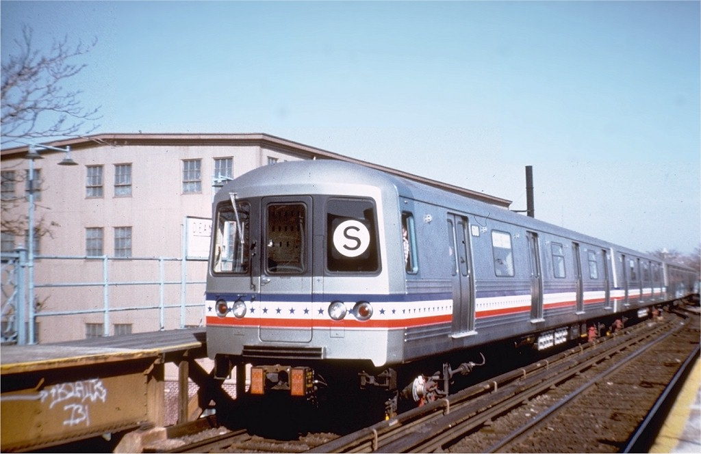 (152k, 1024x664)<br><b>Country:</b> United States<br><b>City:</b> New York<br><b>System:</b> New York City Transit<br><b>Line:</b> BMT Franklin<br><b>Location:</b> Dean Street <br><b>Route:</b> Fan Trip<br><b>Car:</b> R-46 (Pullman-Standard, 1974-75) 680 <br><b>Photo by:</b> Steve Zabel<br><b>Collection of:</b> Joe Testagrose<br><b>Date:</b> 2/26/1977<br><b>Viewed (this week/total):</b> 5 / 8424
