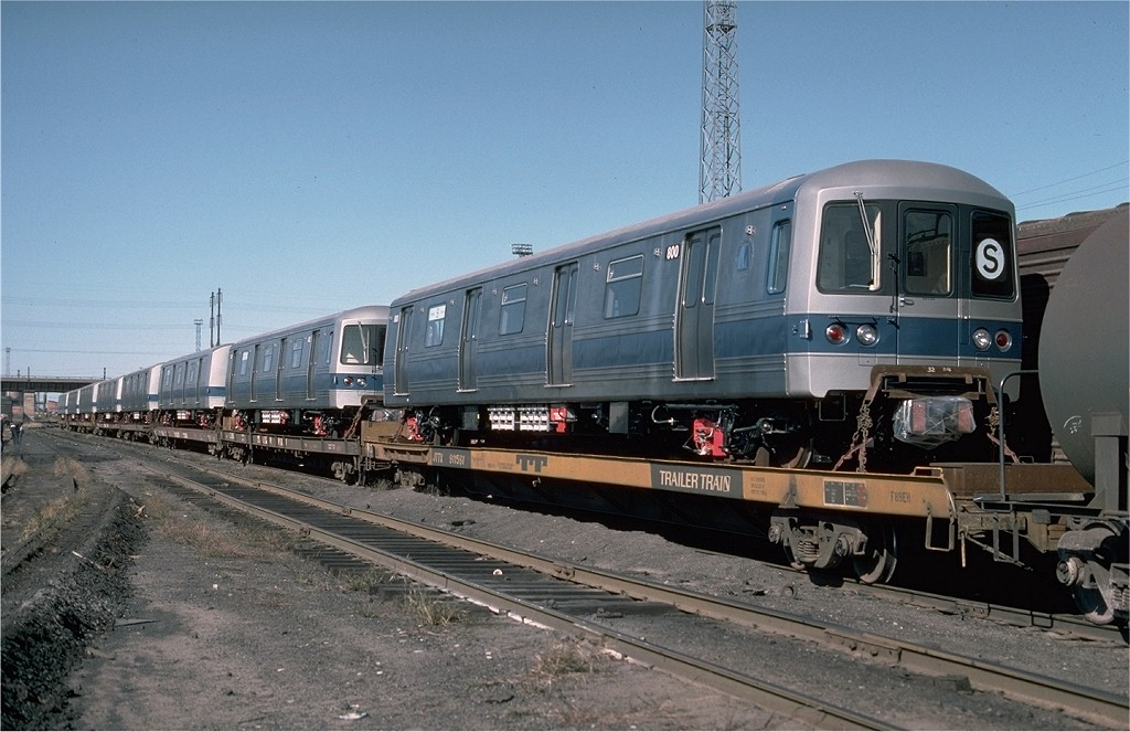 (186k, 1024x663)<br><b>Country:</b> United States<br><b>City:</b> Secaucus, NJ<br><b>System:</b> New York City Transit<br><b>Location:</b> Croxton Yard (NYCTA Equipment Delivery)<br><b>Car:</b> R-46 (Pullman-Standard, 1974-75) 800 <br><b>Photo by:</b> Ed McKernan<br><b>Collection of:</b> Joe Testagrose<br><b>Date:</b> 10/11/1976<br><b>Viewed (this week/total):</b> 0 / 3340