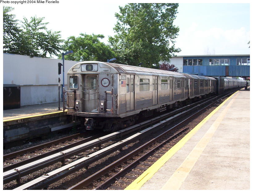 (115k, 820x624)<br><b>Country:</b> United States<br><b>City:</b> New York<br><b>System:</b> New York City Transit<br><b>Line:</b> IND Rockaway<br><b>Location:</b> Broad Channel <br><b>Route:</b> A<br><b>Car:</b> R-38 (St. Louis, 1966-1967)  4066 <br><b>Photo by:</b> Mike Fioriello<br><b>Date:</b> 7/17/2004<br><b>Viewed (this week/total):</b> 2 / 2997