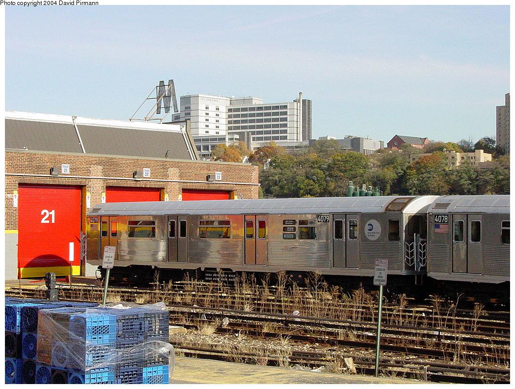 (331k, 1044x788)<br><b>Country:</b> United States<br><b>City:</b> New York<br><b>System:</b> New York City Transit<br><b>Location:</b> 207th Street Yard<br><b>Car:</b> R-38 (St. Louis, 1966-1967)  4079 <br><b>Photo by:</b> David Pirmann<br><b>Date:</b> 11/6/2004<br><b>Viewed (this week/total):</b> 1 / 3724