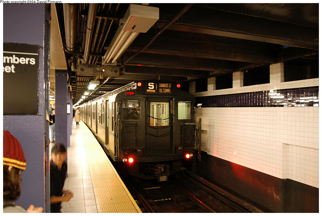(251k, 1044x701)<br><b>Country:</b> United States<br><b>City:</b> New York<br><b>System:</b> New York City Transit<br><b>Line:</b> IND 8th Avenue Line<br><b>Location:</b> Chambers Street/World Trade Center <br><b>Route:</b> Fan Trip<br><b>Car:</b> R-4 (American Car & Foundry, 1932-1933) 484 <br><b>Photo by:</b> David Pirmann<br><b>Date:</b> 11/6/2004<br><b>Viewed (this week/total):</b> 0 / 3815