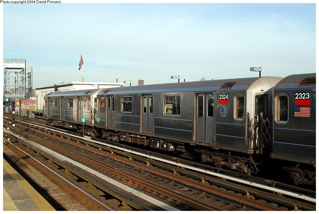 (262k, 1044x701)<br><b>Country:</b> United States<br><b>City:</b> New York<br><b>System:</b> New York City Transit<br><b>Line:</b> IRT West Side Line<br><b>Location:</b> 215th Street <br><b>Route:</b> 1<br><b>Car:</b> R-62A (Bombardier, 1984-1987)  2324 <br><b>Photo by:</b> David Pirmann<br><b>Date:</b> 11/6/2004<br><b>Viewed (this week/total):</b> 3 / 3288