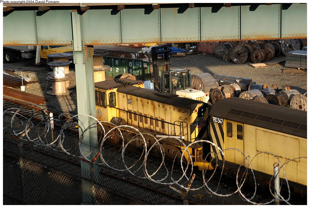 (292k, 1044x701)<br><b>Country:</b> United States<br><b>City:</b> New York<br><b>System:</b> New York City Transit<br><b>Location:</b> 207th Street Yard<br><b>Car:</b> R-77 Locomotive  885 <br><b>Photo by:</b> David Pirmann<br><b>Date:</b> 11/6/2004<br><b>Viewed (this week/total):</b> 1 / 2372