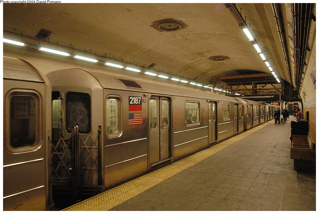 (312k, 1044x701)<br><b>Country:</b> United States<br><b>City:</b> New York<br><b>System:</b> New York City Transit<br><b>Line:</b> IRT West Side Line<br><b>Location:</b> 181st Street <br><b>Route:</b> 1<br><b>Car:</b> R-62A (Bombardier, 1984-1987)  2187 <br><b>Photo by:</b> David Pirmann<br><b>Date:</b> 11/6/2004<br><b>Viewed (this week/total):</b> 0 / 3507