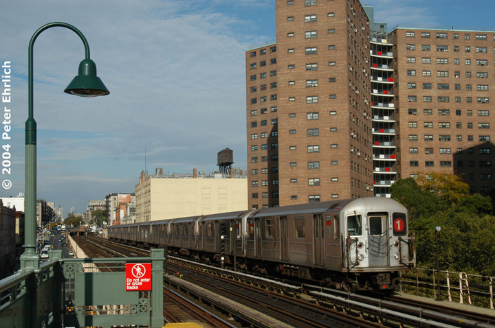 (165k, 720x478)<br><b>Country:</b> United States<br><b>City:</b> New York<br><b>System:</b> New York City Transit<br><b>Line:</b> IRT West Side Line<br><b>Location:</b> 125th Street <br><b>Route:</b> 1<br><b>Car:</b> R-62A (Bombardier, 1984-1987)  2225 <br><b>Photo by:</b> Peter Ehrlich<br><b>Date:</b> 10/27/2004<br><b>Viewed (this week/total):</b> 2 / 3750