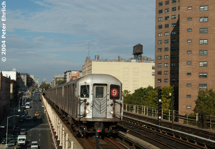 (162k, 720x499)<br><b>Country:</b> United States<br><b>City:</b> New York<br><b>System:</b> New York City Transit<br><b>Line:</b> IRT West Side Line<br><b>Location:</b> 125th Street <br><b>Route:</b> 9<br><b>Car:</b> R-62A (Bombardier, 1984-1987)  2420 <br><b>Photo by:</b> Peter Ehrlich<br><b>Date:</b> 10/27/2004<br><b>Viewed (this week/total):</b> 3 / 3392
