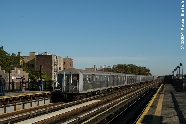(124k, 720x478)<br><b>Country:</b> United States<br><b>City:</b> New York<br><b>System:</b> New York City Transit<br><b>Line:</b> BMT Astoria Line<br><b>Location:</b> 36th/Washington Aves. <br><b>Route:</b> W<br><b>Car:</b> R-40 (St. Louis, 1968)  4310 <br><b>Photo by:</b> Peter Ehrlich<br><b>Date:</b> 10/28/2004<br><b>Viewed (this week/total):</b> 0 / 3256