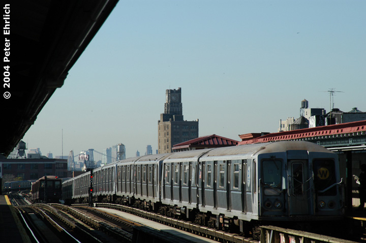 (110k, 720x478)<br><b>Country:</b> United States<br><b>City:</b> New York<br><b>System:</b> New York City Transit<br><b>Line:</b> BMT Astoria Line<br><b>Location:</b> 36th/Washington Aves.<br><b>Route:</b> W<br><b>Car:</b> R-40 (St. Louis, 1968) 4356 <br><b>Photo by:</b> Peter Ehrlich<br><b>Date:</b> 10/28/2004<br><b>Viewed (this week/total):</b> 0 / 3388