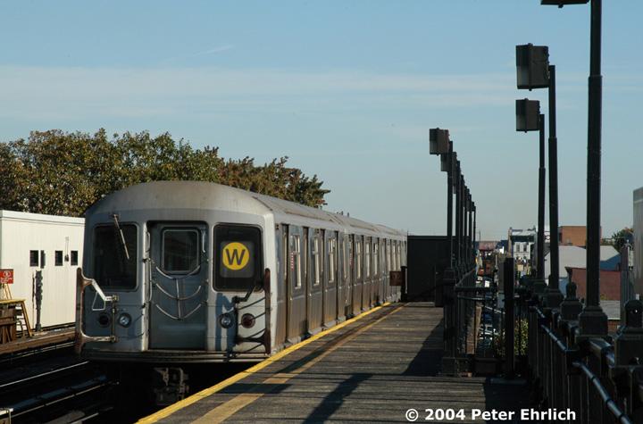 (126k, 720x475)<br><b>Country:</b> United States<br><b>City:</b> New York<br><b>System:</b> New York City Transit<br><b>Line:</b> BMT Astoria Line<br><b>Location:</b> 36th/Washington Aves. <br><b>Route:</b> W<br><b>Car:</b> R-40M (St. Louis, 1969)  4537 <br><b>Photo by:</b> Peter Ehrlich<br><b>Date:</b> 10/28/2004<br><b>Viewed (this week/total):</b> 3 / 3488