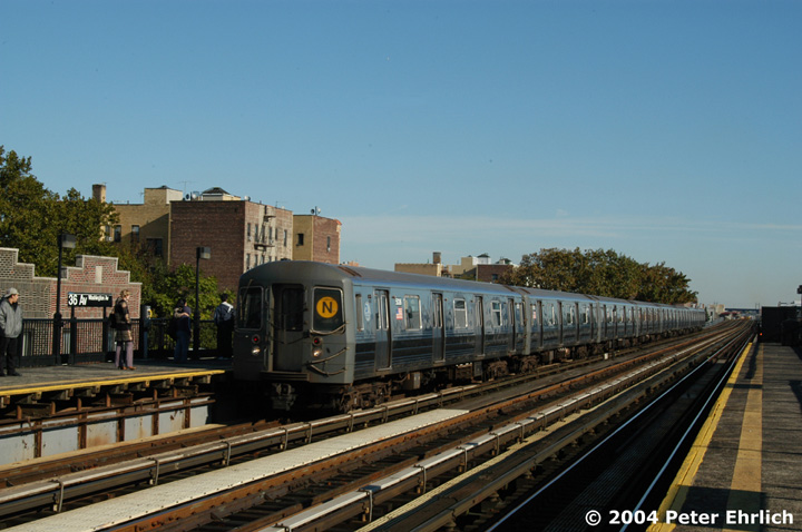 (134k, 720x478)<br><b>Country:</b> United States<br><b>City:</b> New York<br><b>System:</b> New York City Transit<br><b>Line:</b> BMT Astoria Line<br><b>Location:</b> 36th/Washington Aves. <br><b>Route:</b> N<br><b>Car:</b> R-68A (Kawasaki, 1988-1989)  5036 <br><b>Photo by:</b> Peter Ehrlich<br><b>Date:</b> 10/28/2004<br><b>Viewed (this week/total):</b> 0 / 3054