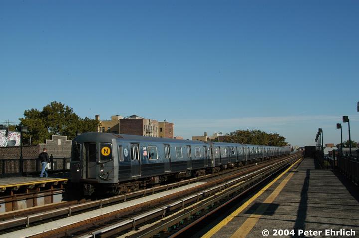 (118k, 720x478)<br><b>Country:</b> United States<br><b>City:</b> New York<br><b>System:</b> New York City Transit<br><b>Line:</b> BMT Astoria Line<br><b>Location:</b> 36th/Washington Aves. <br><b>Route:</b> N<br><b>Car:</b> R-68A (Kawasaki, 1988-1989)  5046 <br><b>Photo by:</b> Peter Ehrlich<br><b>Date:</b> 10/28/2004<br><b>Viewed (this week/total):</b> 0 / 2989