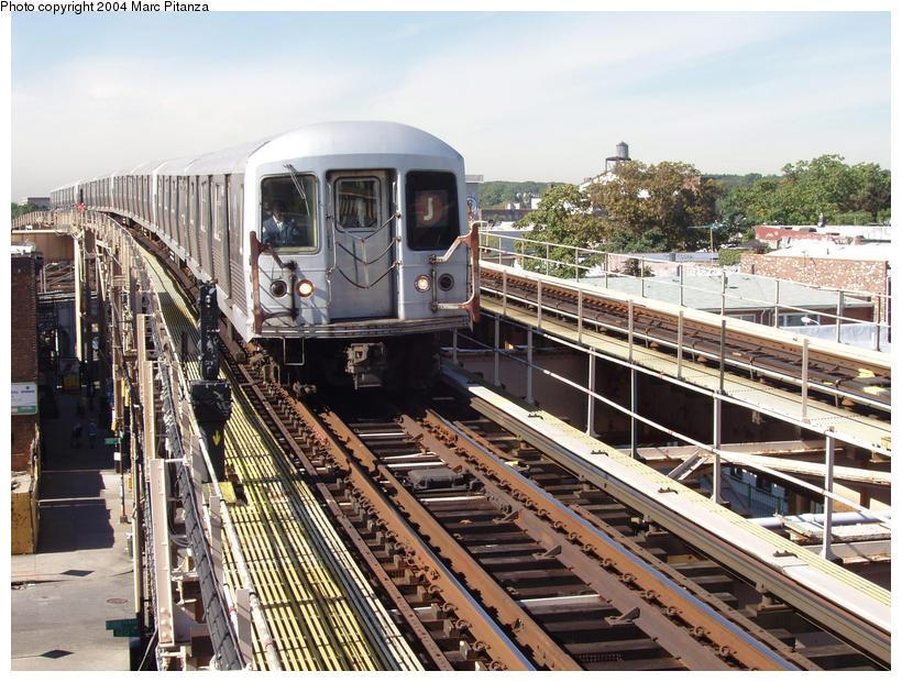(135k, 820x620)<br><b>Country:</b> United States<br><b>City:</b> New York<br><b>System:</b> New York City Transit<br><b>Line:</b> BMT Nassau Street/Jamaica Line<br><b>Location:</b> 121st Street <br><b>Route:</b> J<br><b>Car:</b> R-42 (St. Louis, 1969-1970)   <br><b>Photo by:</b> Marc Pitanza<br><b>Date:</b> 10/13/2004<br><b>Viewed (this week/total):</b> 5 / 4574