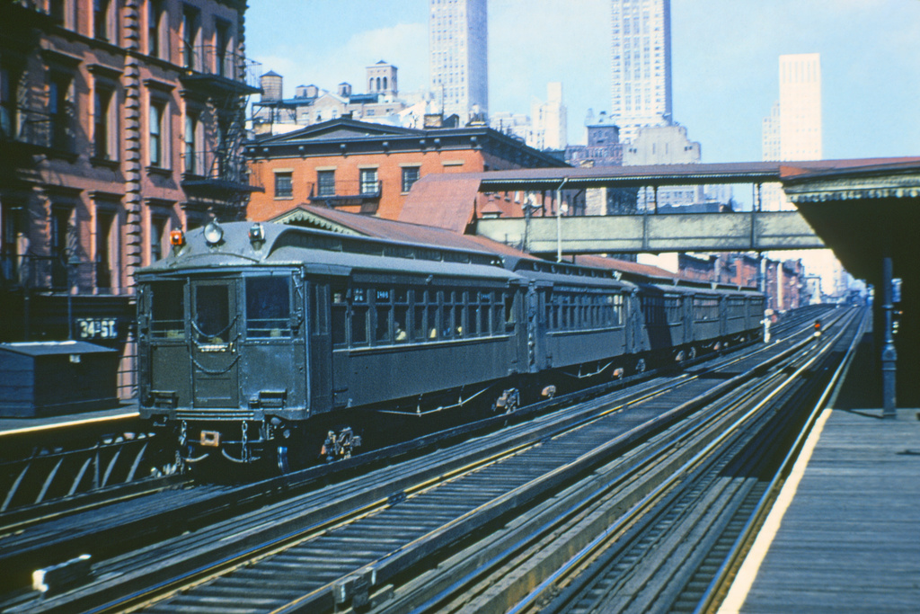 (228k, 1024x681)<br><b>Country:</b> United States<br><b>City:</b> New York<br><b>System:</b> New York City Transit<br><b>Line:</b> 3rd Avenue El<br><b>Location:</b> 34th Street <br><b>Car:</b> MUDC 1408 <br><b>Collection of:</b> David Pirmann<br><b>Viewed (this week/total):</b> 7 / 3616