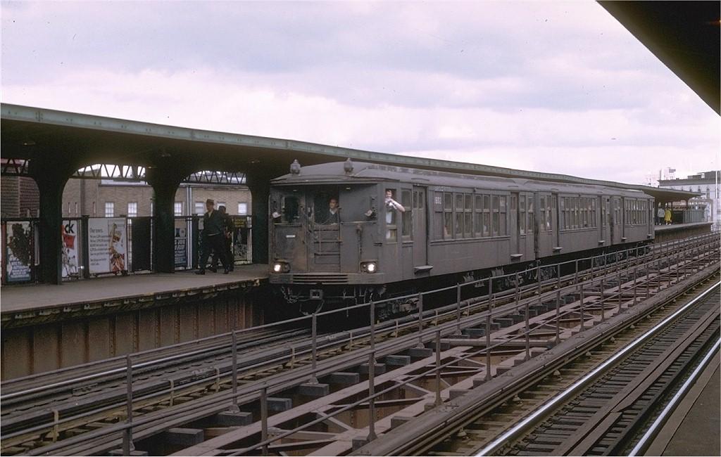 (186k, 1024x650)<br><b>Country:</b> United States<br><b>City:</b> New York<br><b>System:</b> New York City Transit<br><b>Line:</b> BMT Myrtle Avenue Line<br><b>Location:</b> Knickerbocker Avenue <br><b>Route:</b> Fan Trip<br><b>Car:</b> BMT Q 1602CBA <br><b>Photo by:</b> Joe Testagrose<br><b>Date:</b> 9/20/1969<br><b>Viewed (this week/total):</b> 3 / 3570