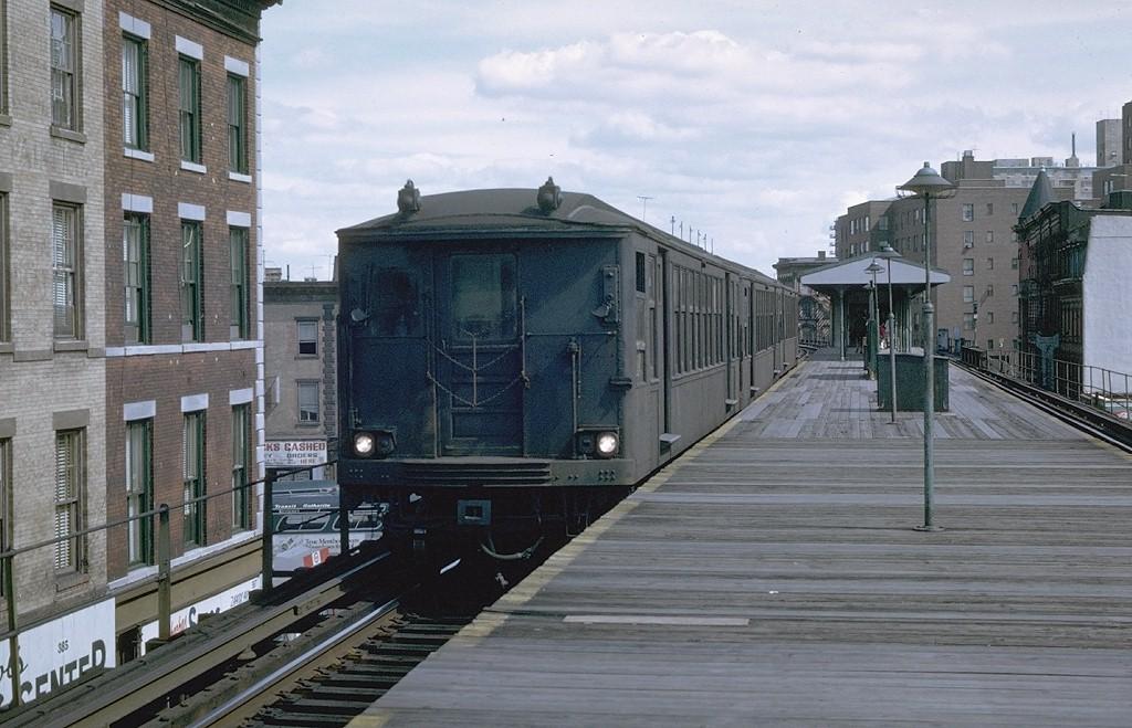 (194k, 1024x659)<br><b>Country:</b> United States<br><b>City:</b> New York<br><b>System:</b> New York City Transit<br><b>Line:</b> BMT Myrtle Avenue Line<br><b>Location:</b> Vanderbilt Avenue <br><b>Car:</b> BMT Q 1616 <br><b>Photo by:</b> Joe Testagrose<br><b>Date:</b> 9/20/1969<br><b>Viewed (this week/total):</b> 13 / 4740