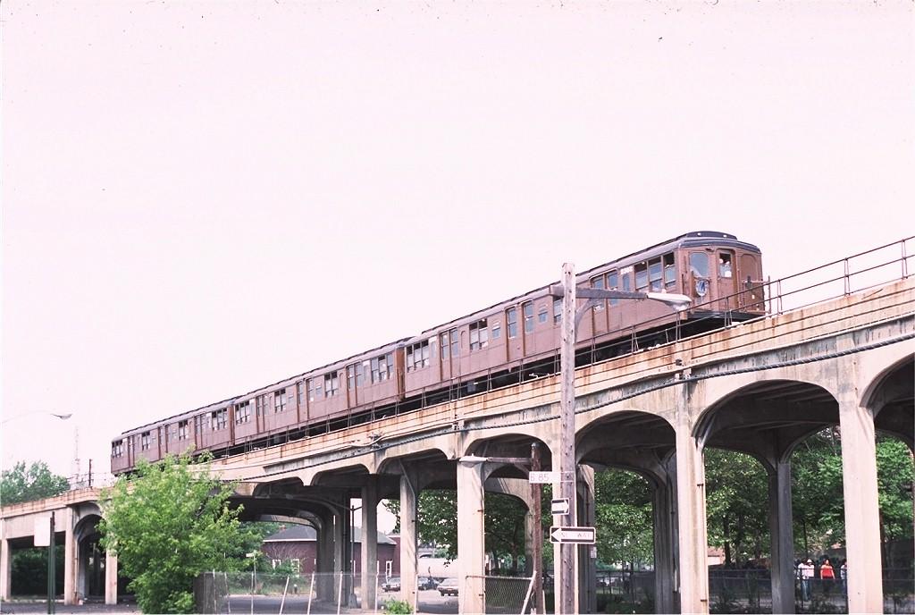 (172k, 1024x688)<br><b>Country:</b> United States<br><b>City:</b> New York<br><b>System:</b> New York City Transit<br><b>Line:</b> IND Rockaway<br><b>Location:</b> Beach 90th Street/Holland <br><b>Route:</b> Fan Trip<br><b>Car:</b> BMT A/B-Type Standard 2392 <br><b>Photo by:</b> Joe Testagrose<br><b>Date:</b> 6/5/1977<br><b>Viewed (this week/total):</b> 0 / 2639